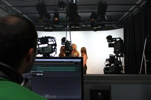 """Neu auf FS1: Musikvideo zum Song """"Zusammen"""" der Neuen Mittelschule Lehen  immer um 10:20 und 20:20 Uhr im Programm"""