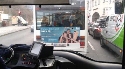 Mach FS1 und fahre AUF dem O-Bus durch Salzburg