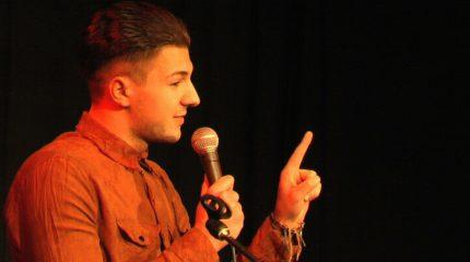 Comedy im Pub: Die Insider präsentieren Teil 3 von 3 jeweils um 9:00 und 19:00 Uhr auf FS1