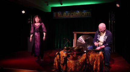Kultur:Plattform | Bilderbuchkino mit Klangschalen