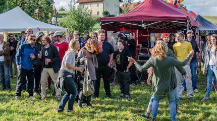 Die Haigerer Hof Session| Musikfest unter Freunden. Schalt ein.